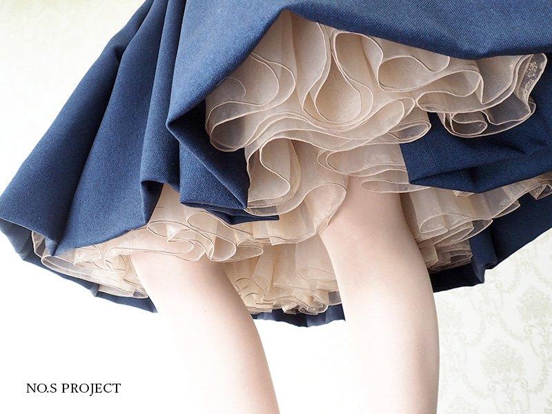 スカートの中
