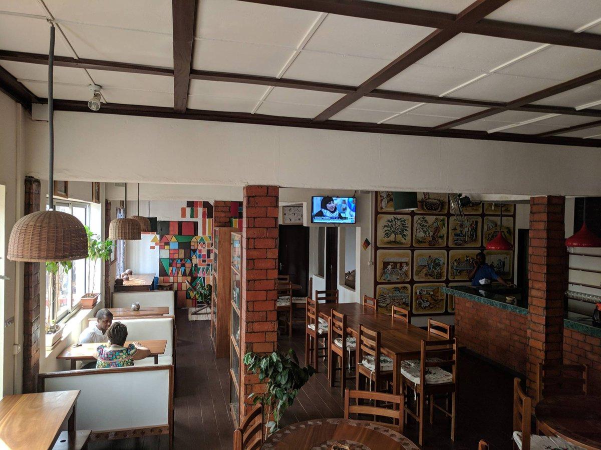 The venue for the #kosi5 is getting ready. Stay tuned.  La maison du café se prépare tranquillement au #kosi5 causerie sur les stratégies de pénétration du marché par les startups cc @Franck_Nlemba @ekwogefee @njorku @ChouchouMpacko @chedjoukm @AndreaBomo https://t.co/CAZPxH69nq