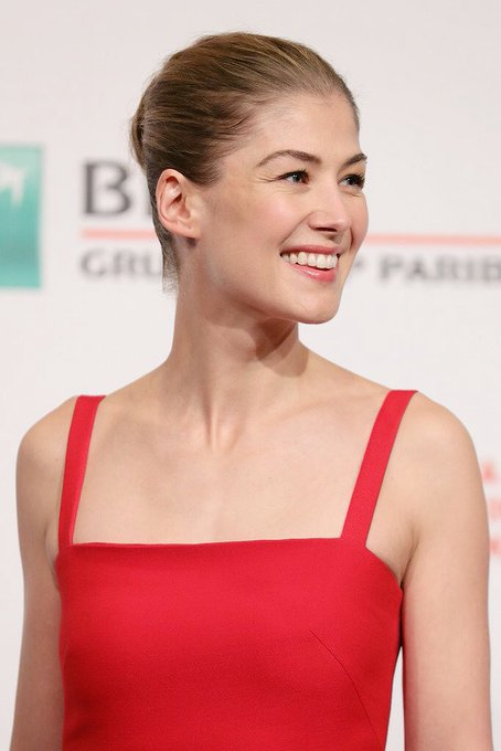 Happy birthday to rosamund pike one of my favourite and one of the best actresses out there I love her so much