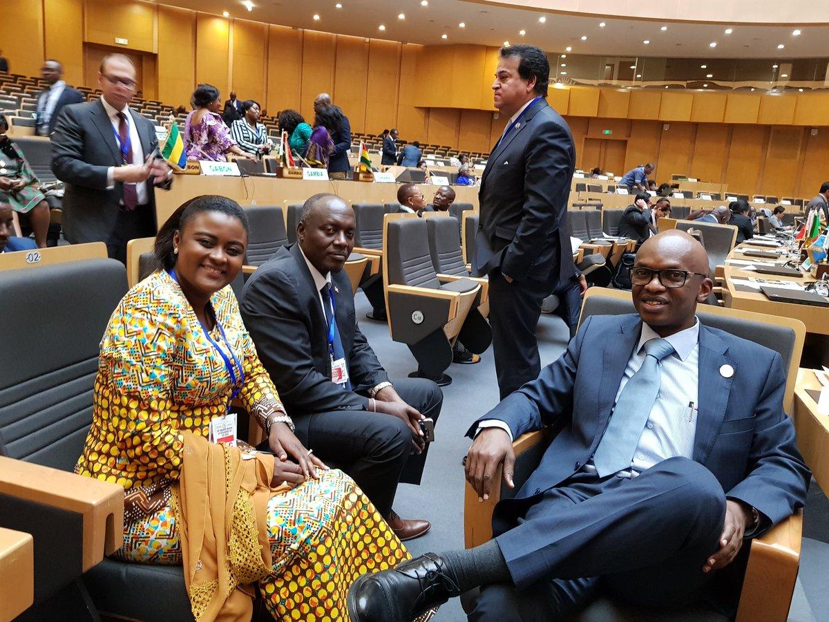 En marge du #30thAUSummit, le Ministre @nyamitwe et @dndabarushimana se sont entretenus avec @Muyumba. #Burundi #Ethiopia