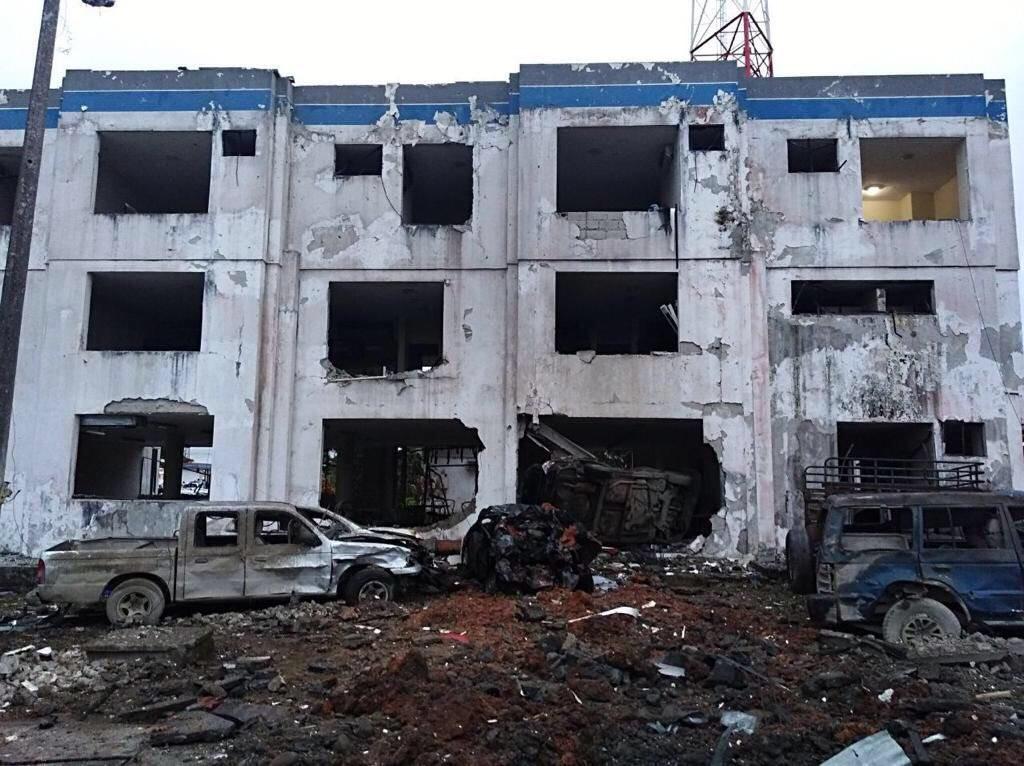 Ecuador declara el estado de excepción en dos ciudades tras una explosión que dejó 28 heridos DUjRruRX4AA8O2h