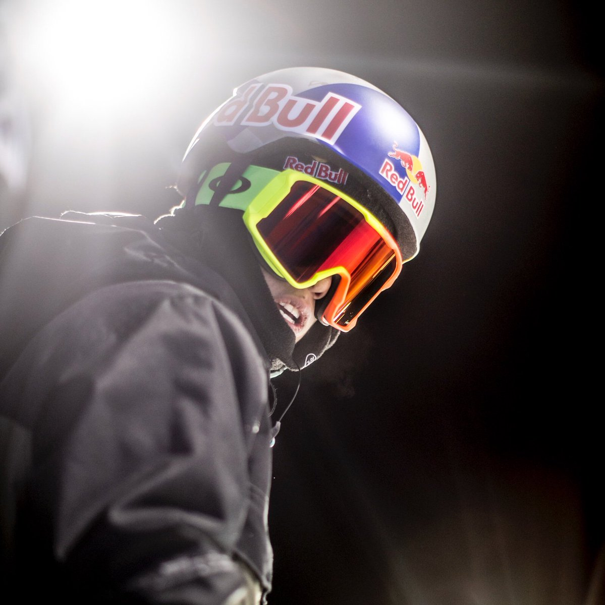 d8edc52ad84  TeamOakley ready to shine at  XGames.  HarmonyFade http   oak.ly 2rBu2RJ  pic.twitter.com 407RIOtP7U