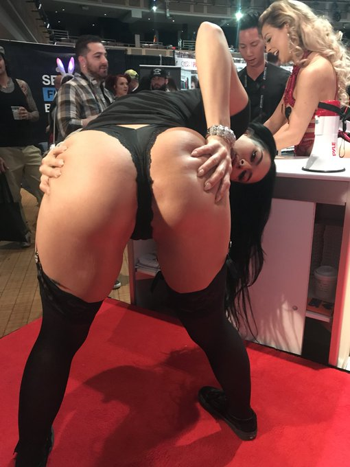 🔥🔥🔥🔥🔥LAST DAY 🔥🔥🔥🔥🔥 🔥🔥EVIL ANGEL BOOTH ONLY🔥🔥🔥 🔥🔥🔥🔥🔥🔥2 - 4 🔥🔥🔥🔥🔥🔥 https://t.co/grYCXJsh6s
