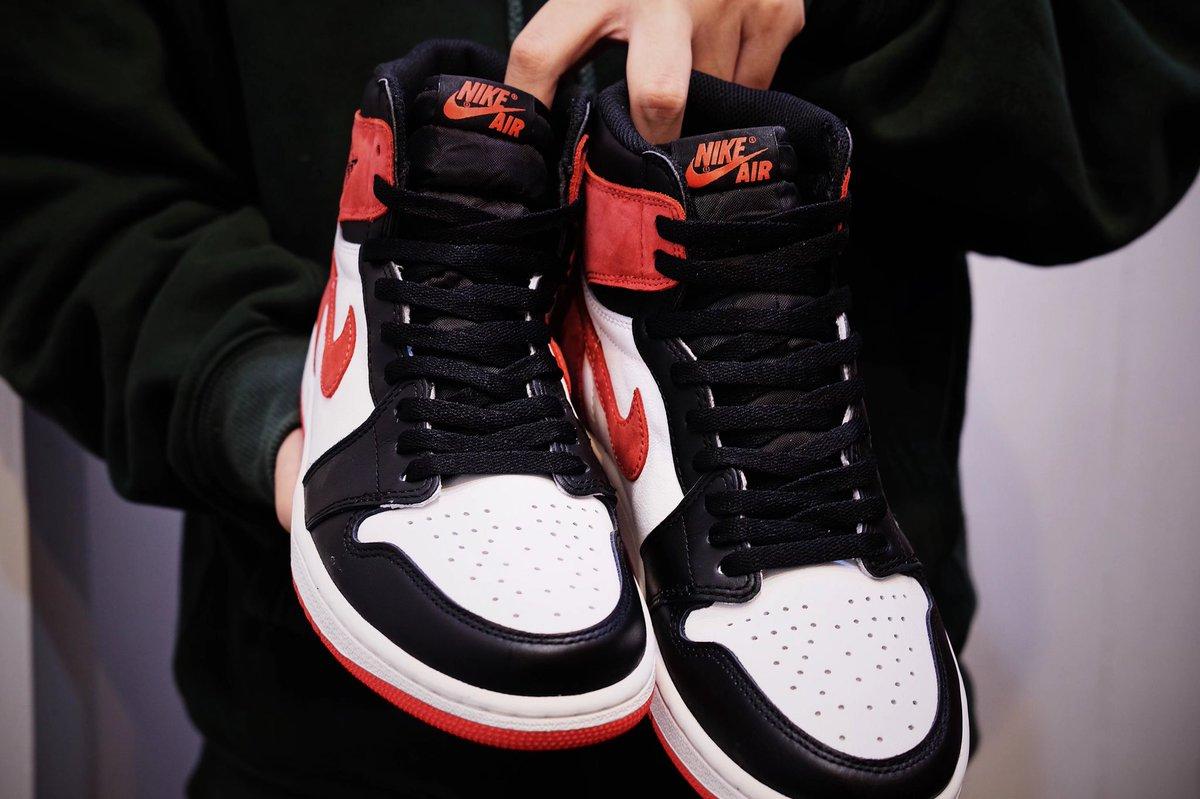 cd35e70a000da6 https   sneakerbardetroit.com air-jordan-1-6-rings-release-date   …pic.twitter.com 7IEhdg7H6n