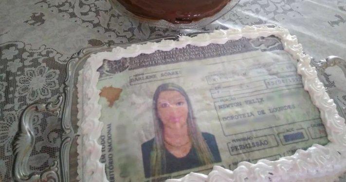 Após 8 reprovações, mulher faz festa com 'bolo de CNH' ao tirar habilitação https://t.co/J8QWGVxadv #G1