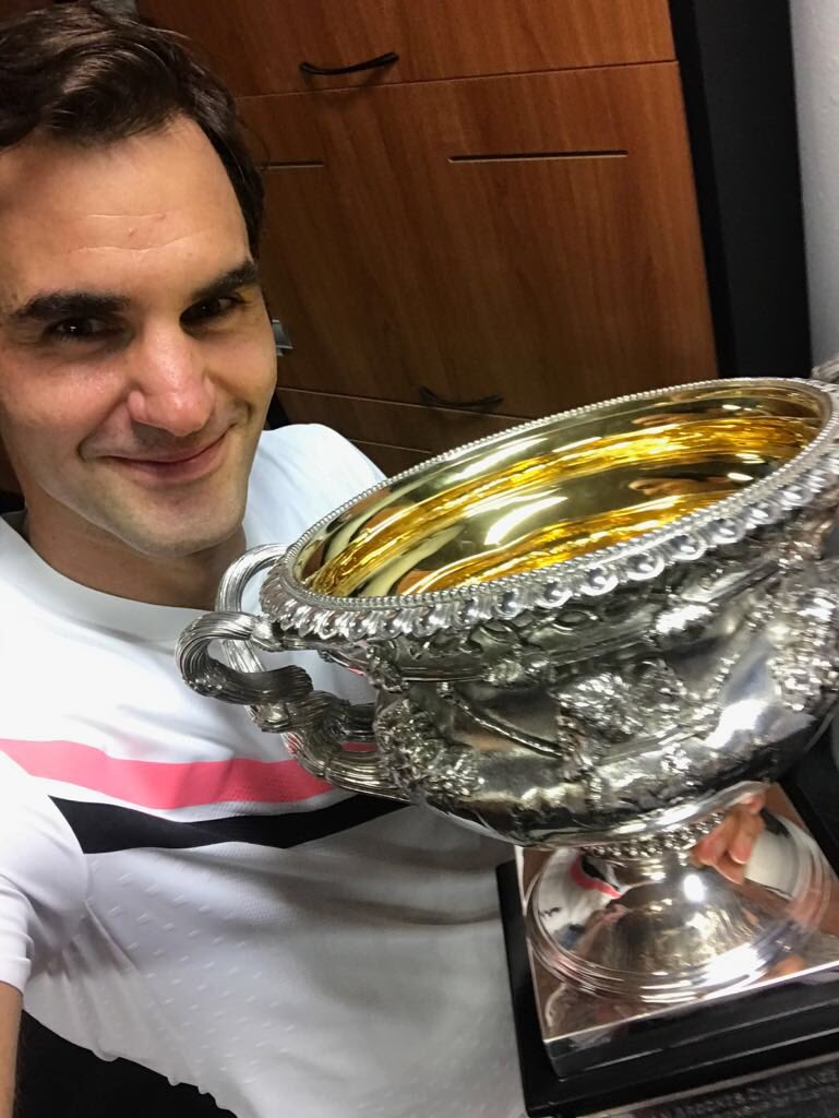 Roger federer rogerfederer twitter 16322 replies 139184 retweets 515701 likes voltagebd Image collections