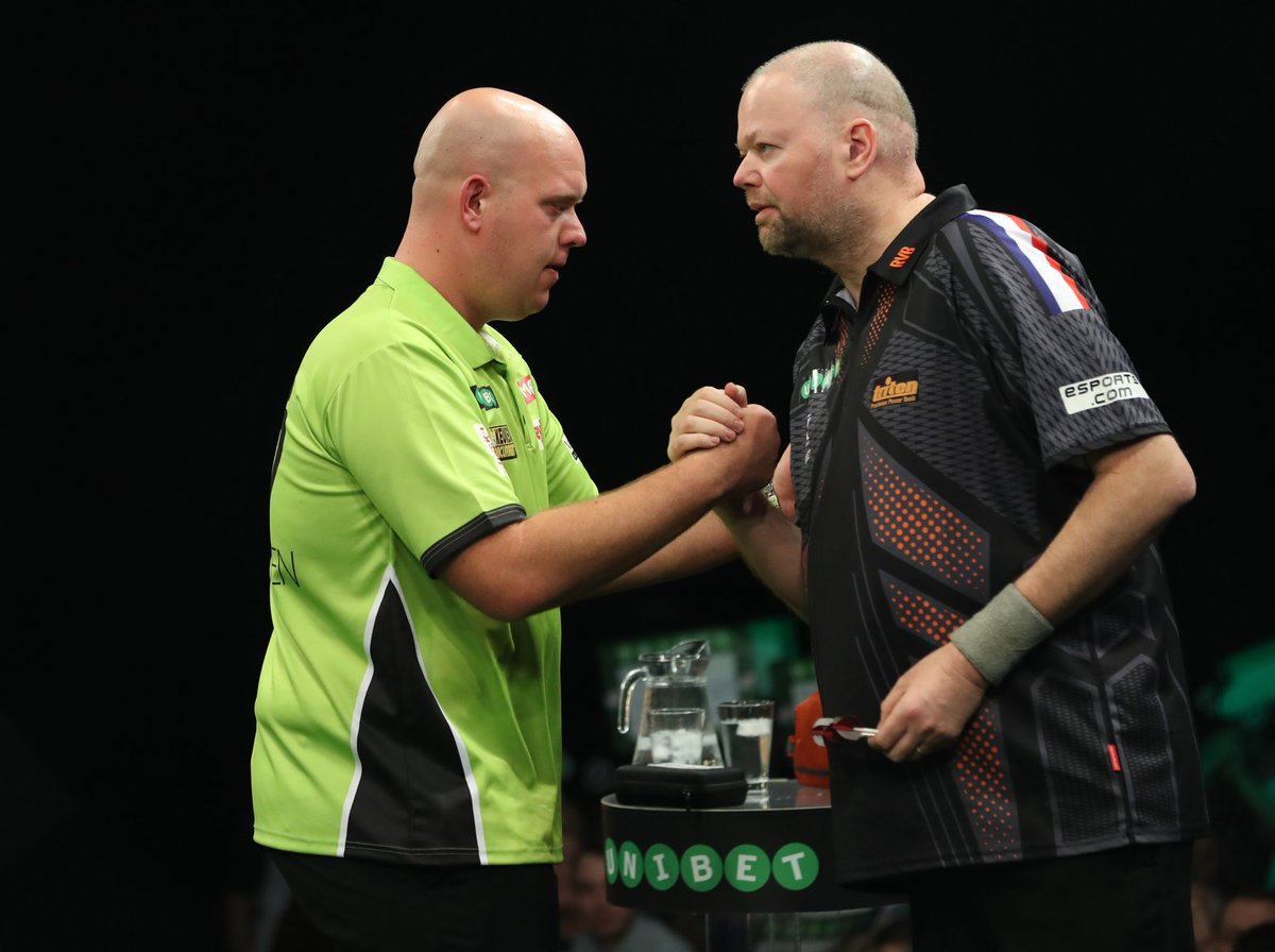 Maybe not a win but still positive feeling with this weekend ! Strong tournament with Top 15 of the World and 1 from Out of this World 😉 Congrats @MvG180 but next time it will be mine! Thanks to all the fans out there for their support !!