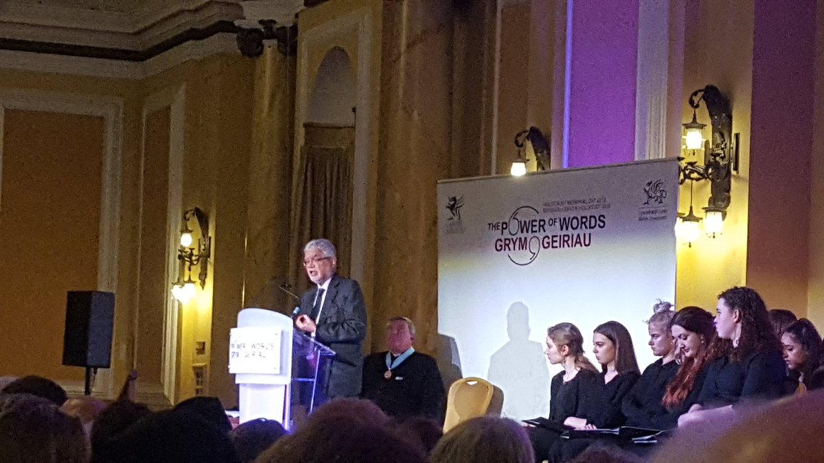 """""""Complacency is our worst enemy"""" states @mukeshkapila who respectfully reflects on other #genocides on #HolocaustMemorialDay in Cardiff. #UNSudan #Srebrenica #Rwanda https://t.co/1l1A8Uzf3x"""