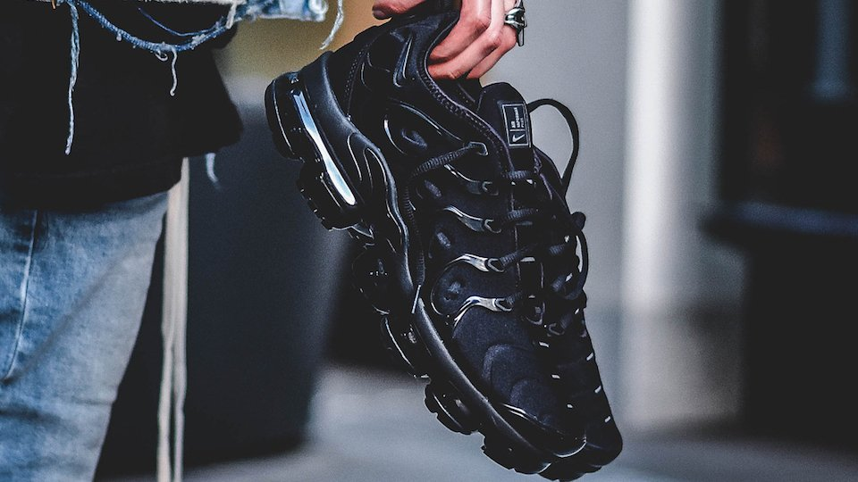 8a6607ed160025 Step into the future with the Vapormax Plus. Fusing two of their most iconic  and