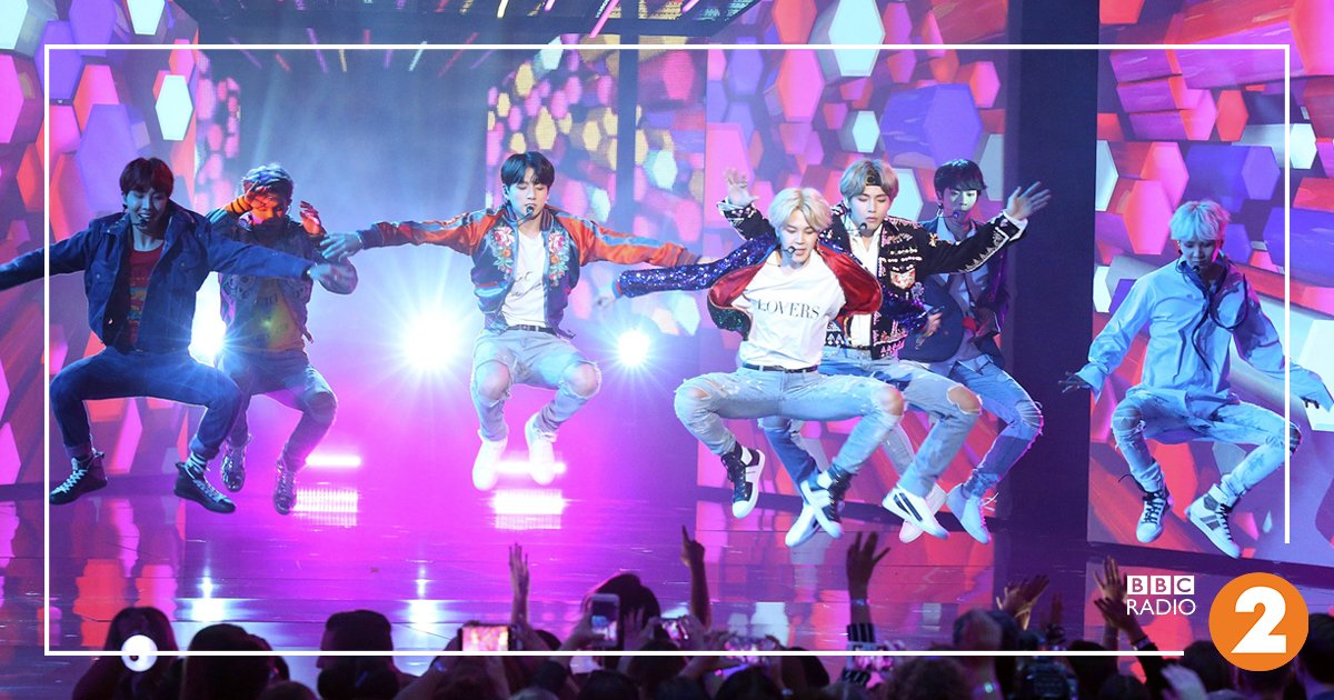 What exactly is #KPop and who are ? 🤔 's  gets  up to speed on the huge excitement surrounding Korean Pop... (it's like 'Beatlemania' for 2018!)  https://t.co/T3mRAtMwJ4