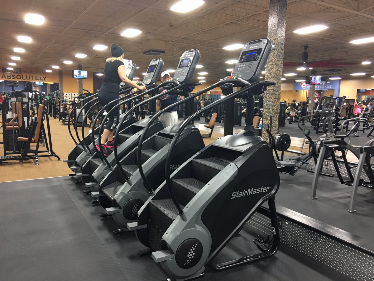 Baileysgym.com #CoreHealthandFitness #Nautilus #StarTrac #StairMaster #HIIT  #Cardio #Gym #Workout #Fitness #Floridapic.twitter.com/D8sGKb0brq