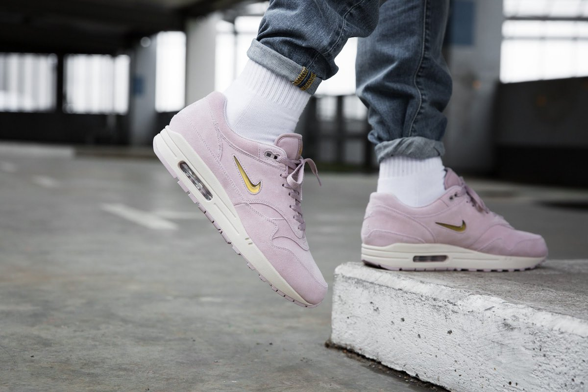 sports shoes dc6c7 827de Nike covers the Air Max 1 Premium SC Jewel in pink   gold. RT if you would  cop. https   t.co QonX9Zc8Ig Photos   overkillshop… https   t.co aTMGcvcT0n