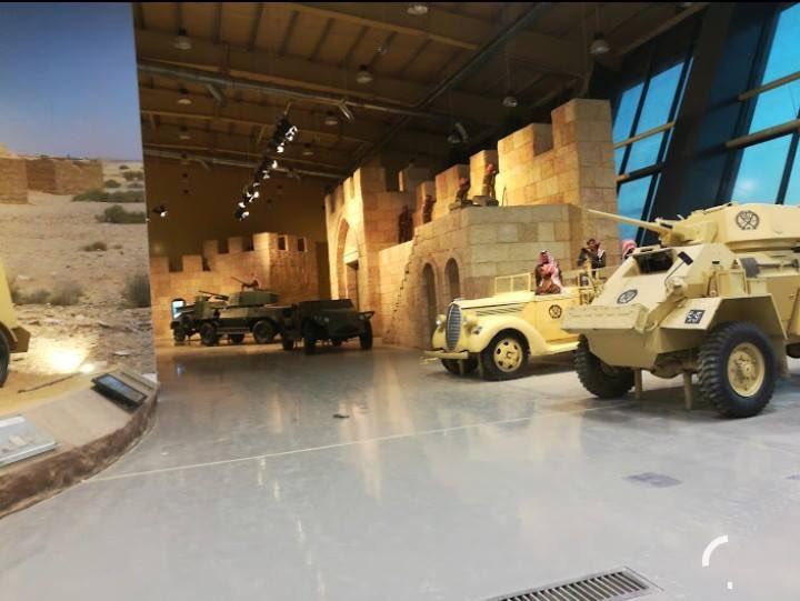 ملك الاردن يفتتح متحف الدبابات الملكي في عمان DUwAwPvW0AA01CW