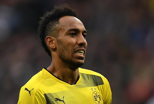 BREAKING: Pierre-Emerick Aubameyang arrives at @Arsenal training ground. #SSN