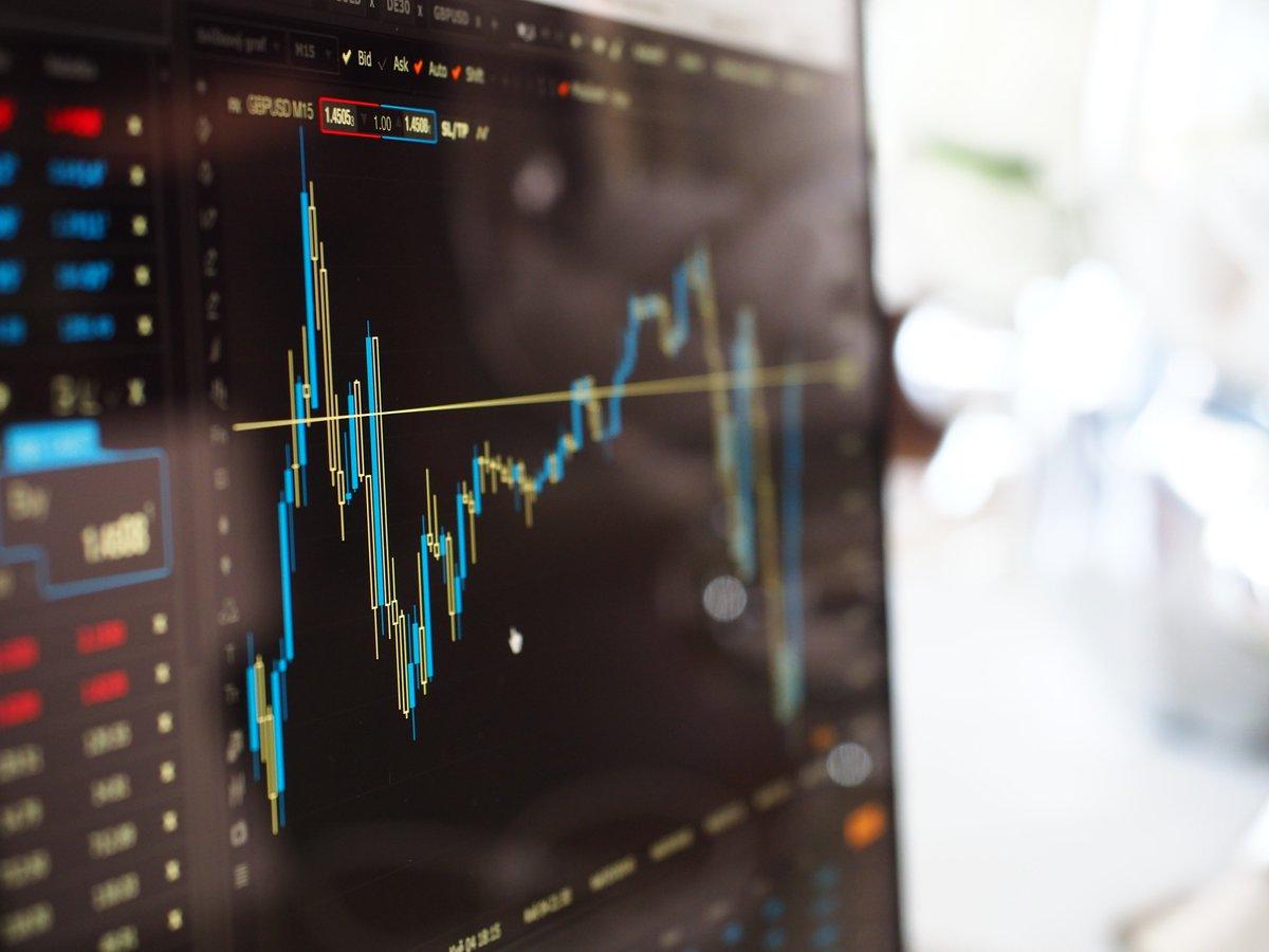 buy Increasing Returns and Economic Efficiency 2009
