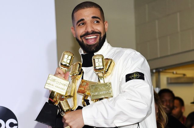 Drake recalls record night at 2017 #BBMAs in new #Hot100 top 10 'Diplomatic Immunity' https://t.co/A5JHwxBf6u