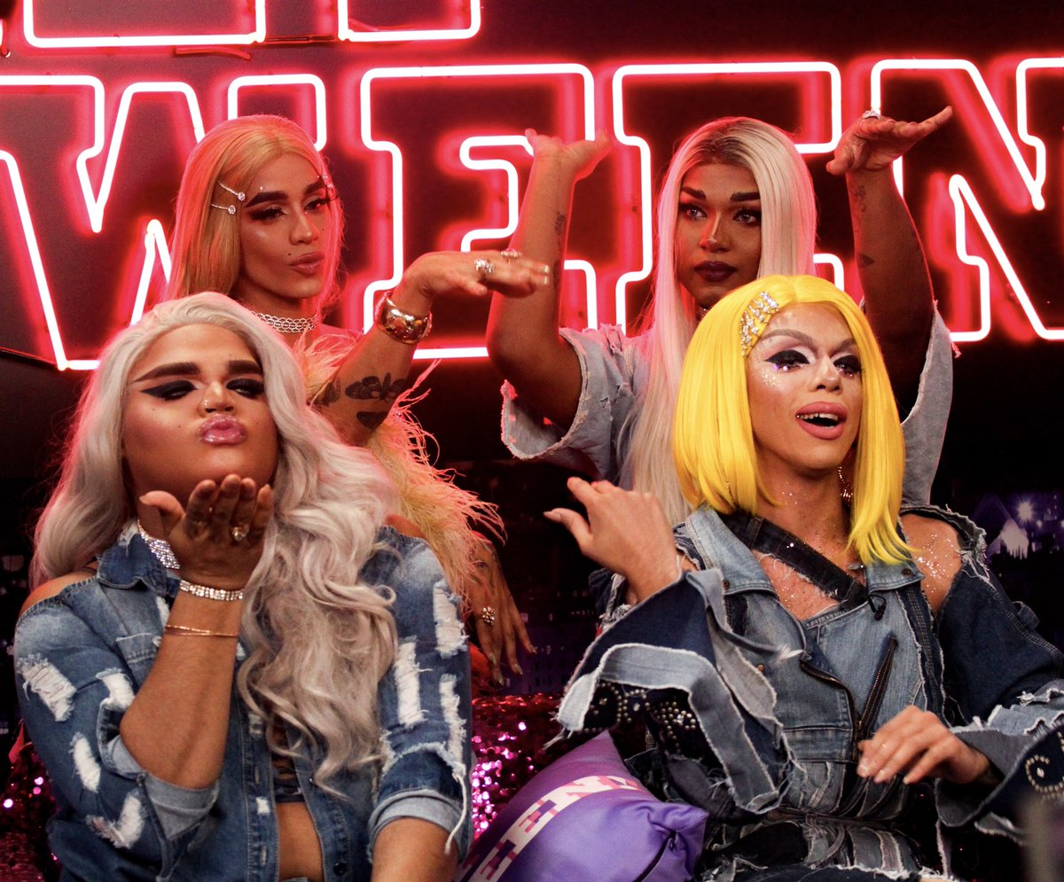 Hey Qween On Twitter Get In Loser Were Going Shopping Https