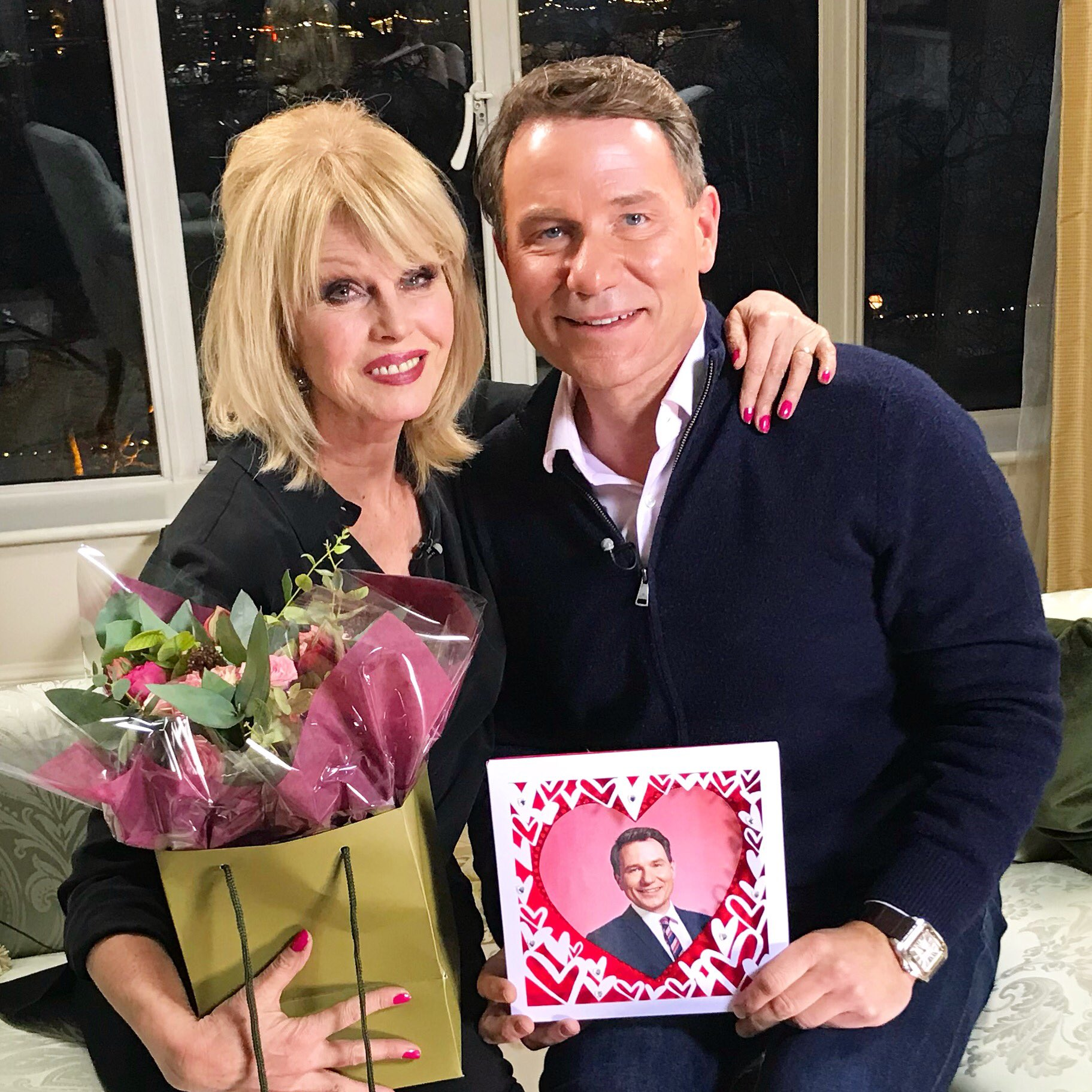 My funny Valentine - it's @JoannaLumley @gmb chatting pizazz and politics @BAFTA #gmb #BAFTAS #valentinesday https://t.co/Qx1MxFj80J