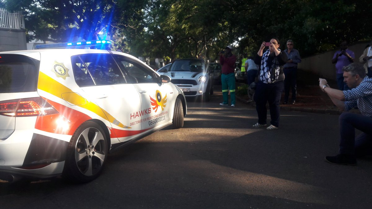 LIVE: One Gupta brother arrested by Hawks, more to come | @J_chabalala ow.ly/ao5X30iofNk