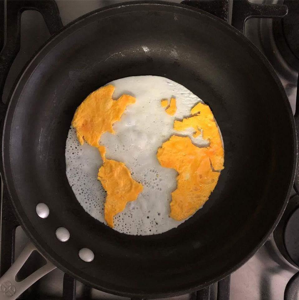 La comida más importante del día es el desayuno! Feliz lunes con unos guevos fritos #gisters