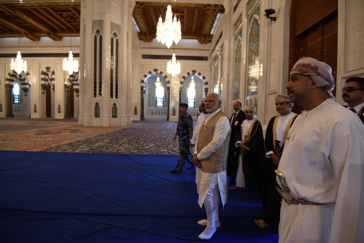 Had the opportunity to visit the iconic Sultan Qaboos Grand Mosque in Muscat. Here are some glimpses.