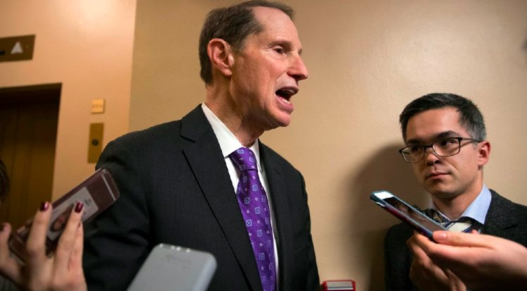 Ron Wyden is probably wasting time with his Russian money laundering investigation of Trump's Palm Beach sale https://t.co/XipuL8pjxE b @TomRtweets