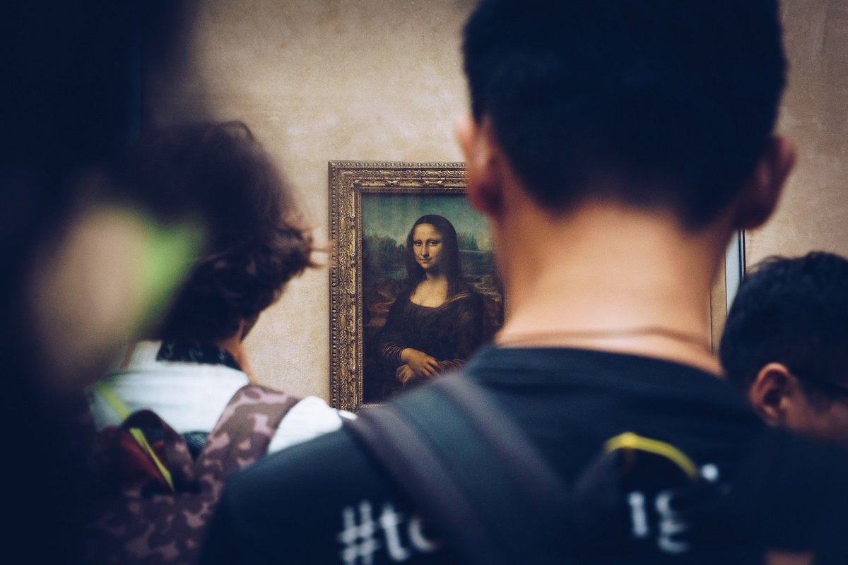 For 500+ years, people have been gazing at Leonardo da Vinci's Mona Lisa with wonderment. The longer you look at her, the more it appears her smile fades only to return again. Head to the @MuseeLouvre & pay her a visit yourself! https://t.co/AcDObFAYcz https://t.co/VSYvExRasP