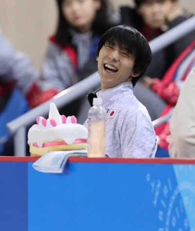 【かわいい】羽生結弦がプーさんケース封印、ショートケーキに   IOCがロゴや商標の扱いに厳しいため、ソチ五輪同様に愛用する「くまのプーさん」のティッシュケースを