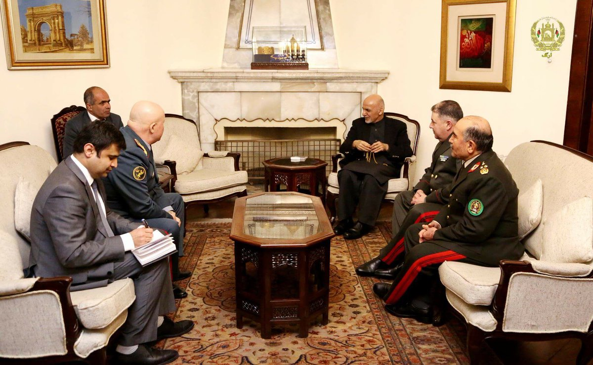 I received COAS of Uzbekistan and Kazakhstan in ARG today. Their arrival marks a new beginning of cooperation between the armies of #Afghanistan, Uzbekistan and Kazakhstan. We also discussed combating terrorism and boosting economic cooperation between our three countries.