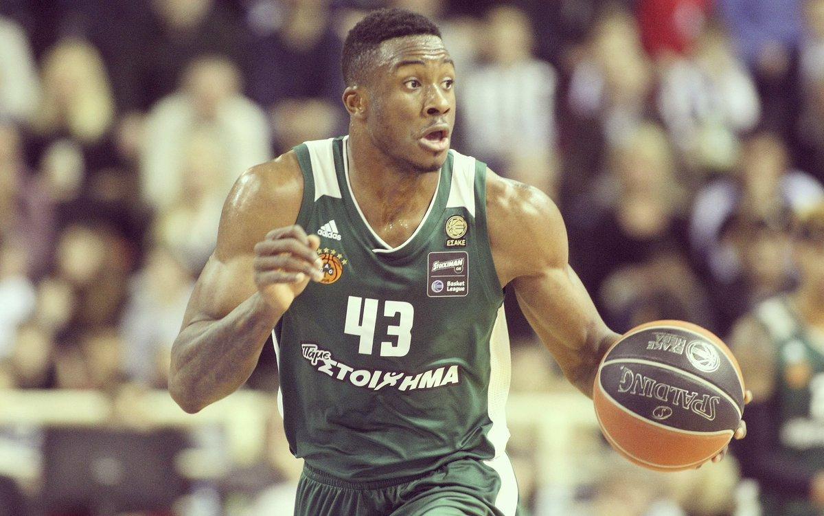 Vassilis Spanoulis Greek Βασίλης Σπανούλης born August 7 1982 is a Greek professional basketball player for Olympiacos Piraeus of the Greek