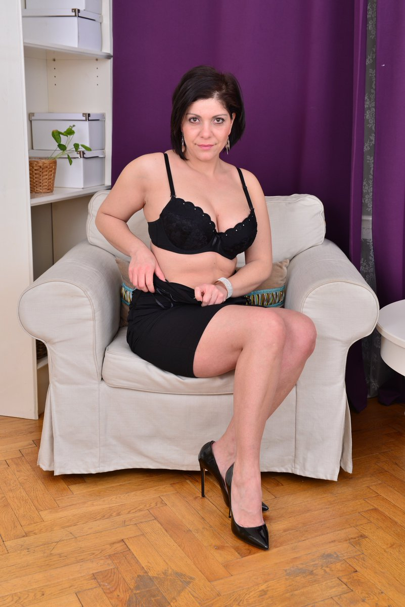 """official mature.nl on twitter: """"hot milf nicol gets naked for u on"""