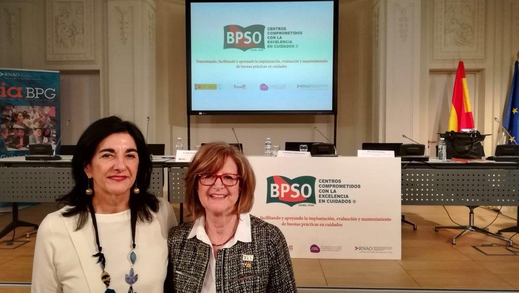 Una jornada muy interesante la del Acto de Acreditación #CCEC_12F @Investenisciii (en las imágenes con @DorisGrinspun y Blanca Pérez, coordinadora del SES)