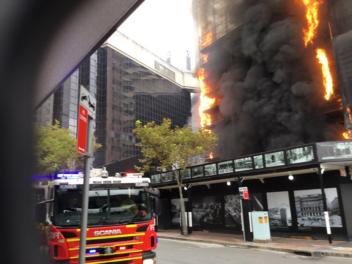 Matt Osullivan Mattonews Huge Fire In Sydneys Circular Quay