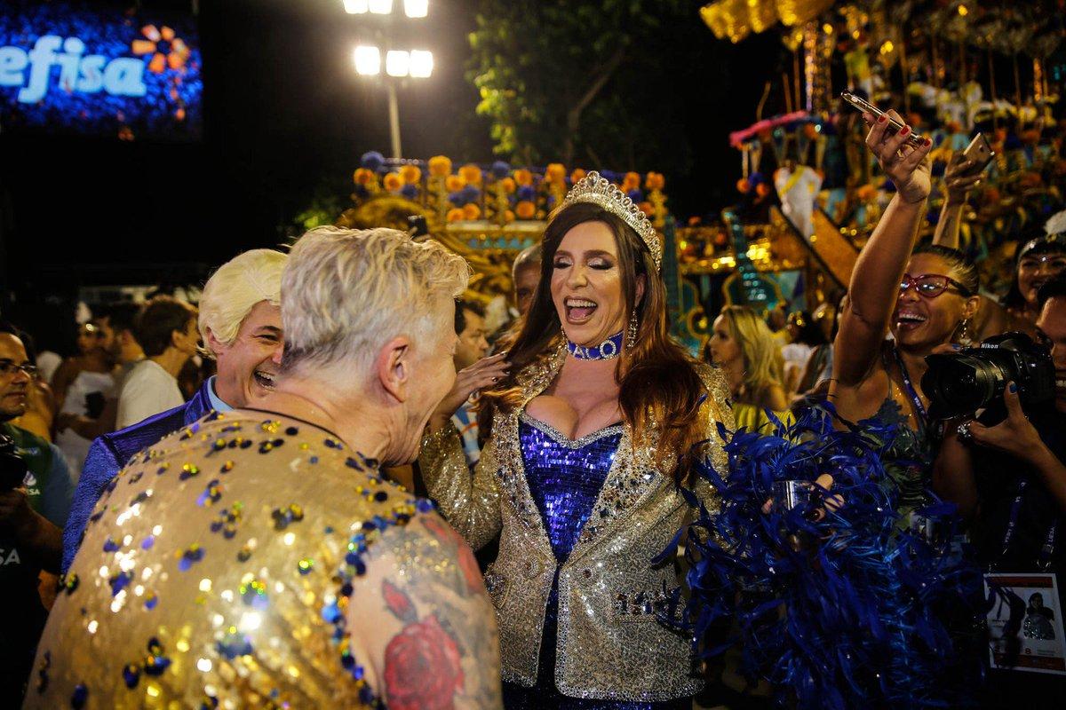 Marisa Orth vai desfilar na Unidos da Tijuca como Magda e usa coleira escrito 'Caco' https://t.co/OIGq6v3xVa #globeleza #G1