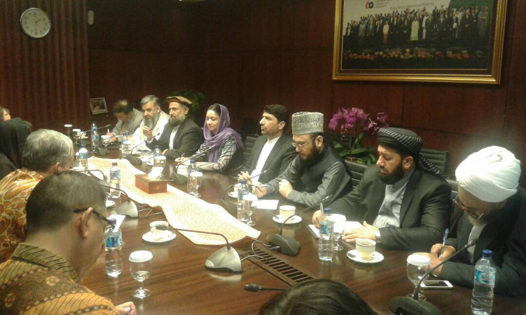 A joint delegation of #Ulema and #HPC of Afghanistan is in #Indonesia to have meetings with the Indonesian government officials and Ulema on supporting the peace process in Afghanistan and an Ulema Conference. They had their first meeting in the Foreign Ministry of #RI.