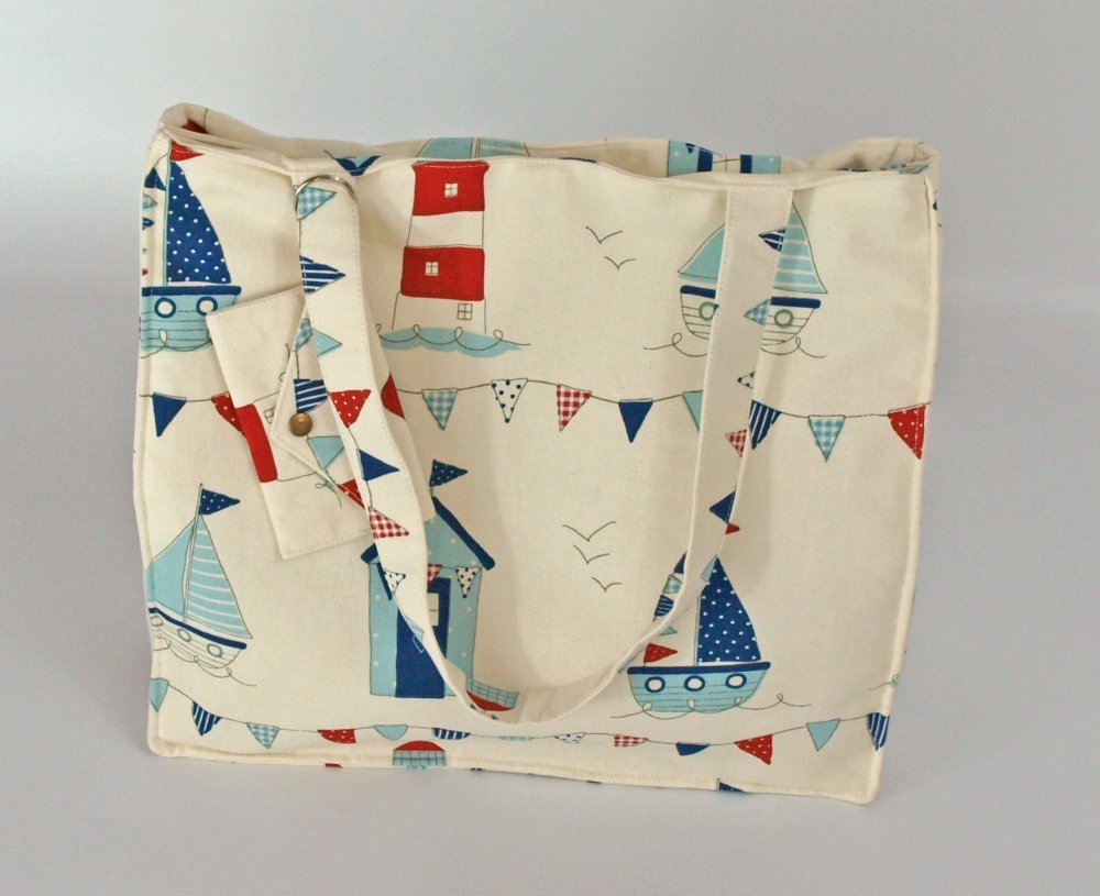A lovely summery tote bag https://t.co/I...