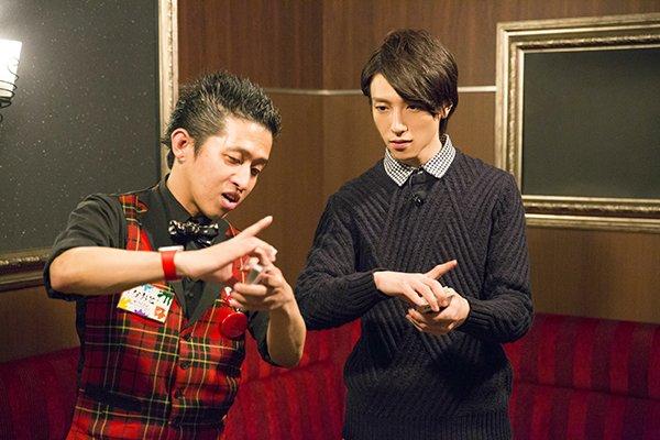【第4回は2/23放送】新次元コーナーでは、鈴木さんがマジックに挑戦します!!まずはトランプの扱い方