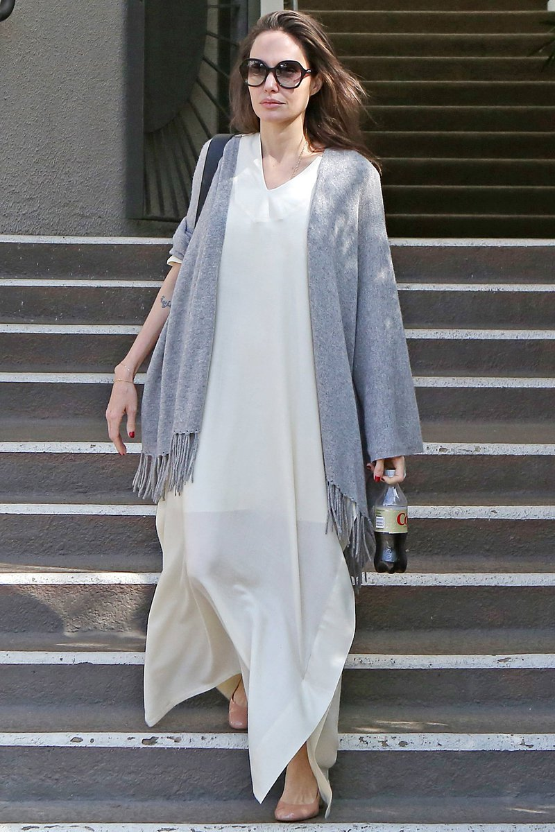 4f5b0b5be74f8 ... Gerard Darel Louison Cashmere Shawl http   coolspotters.com actresses angelina-jolie and clothing gerard-darel-louison-cashmere-shawl medium-4594323  …