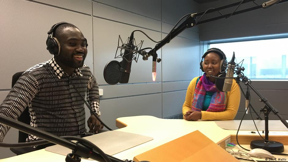 Happy #WorldRadioDay! We here at @DeutscheWelle believe that radio is still a critical source of news and information. Check out our English radio shows or listen to our live stream. dw.com/en/radio/s-327… Or explore the radio offerings in our 30 language programs.