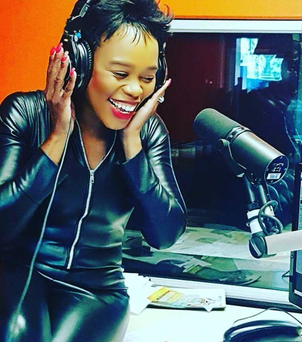 #WorldRadioDay #ILoveRadio I❤📻. Thank you so much to everyone who has played a part in growing my radio career... For supporting, for listening, for tweeting, for calling, for feedback. I appreciate you 🙏🏽.