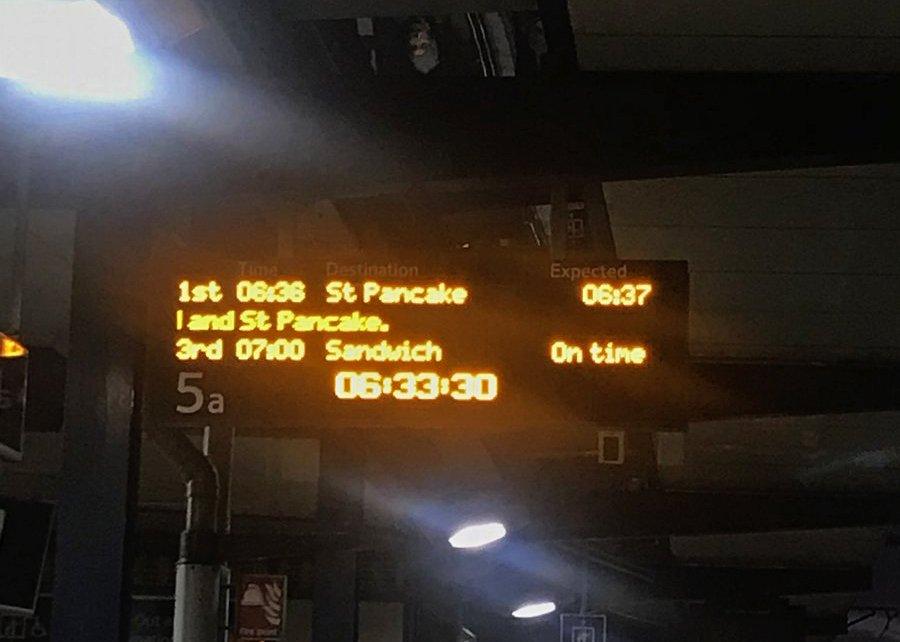 🥞 Happy pancake day! 😋 Whos travelling to St Pancake station today? @StPancrasInt 📸 : @Carthur2011 #railway #station #pancakeday2018