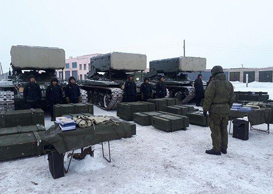 Russian MRLS: Grad, Uragan, Smerch, Tornado-G/S - Page 8 DV67TfjW0AEWBlc