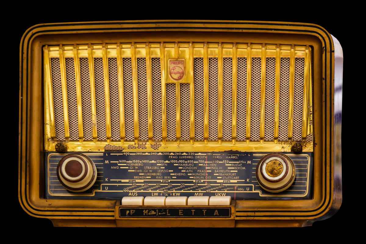 Remember this? The one source of entertainment before Television, that brought the family together... :) What are your best Radio memories?  #WorldRadioDay  #WorldRadioDay2018 <br>http://pic.twitter.com/n8JHMLMTBs