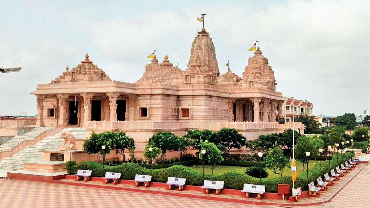 Maha Shivratri 2018: Witness live darshan of Lord Shiva at Somnath temple https://t.co/8LSTPzM9ak
