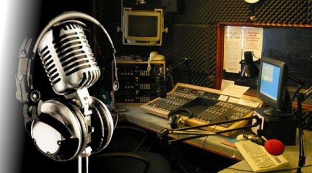 Hoy, en el #DíaMundialDeLaRadio envío mis felicitaciones a mis amigas y amigos que laboran en el gremio por su trabajo, la radio nacional es y seguirá siendo el medio de comunicación de excelencia. Ustedes representan #LaFuerzaDeLaRadio. https://t.co/MmgrK6Qcfx