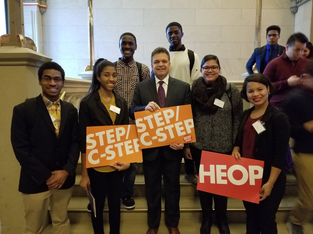 Assemblymember @Felixwortiz spoke to @nyuniversity students earlier about protecting student aid #StandUp4StudentAid @CICU #NYUAlbanyDay<br>http://pic.twitter.com/H1RgXEY00R