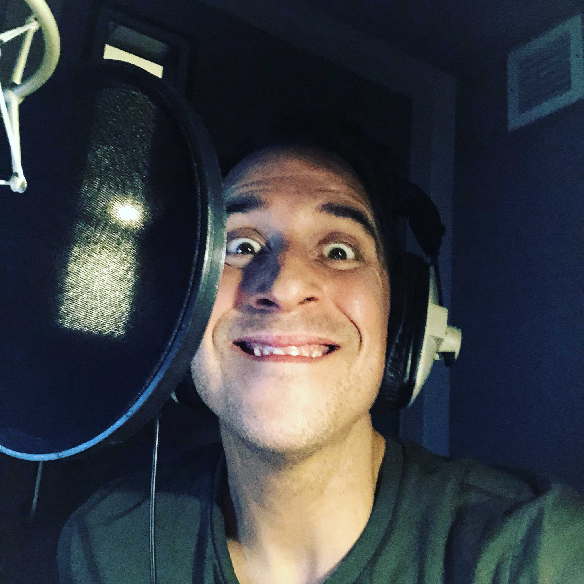 Going wild in the voiceover booth for @E4Tweets @#FiveStarHotel https://t.co/M848lscWBa