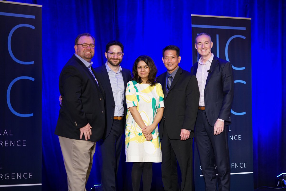 Proud to share the #NCDC18 stage today with @anabjain @DrDaveFPS @AriW @davidmiyashiro #modernteacher #AASAHQ Powerful!<br>http://pic.twitter.com/DmAGvlvyI0