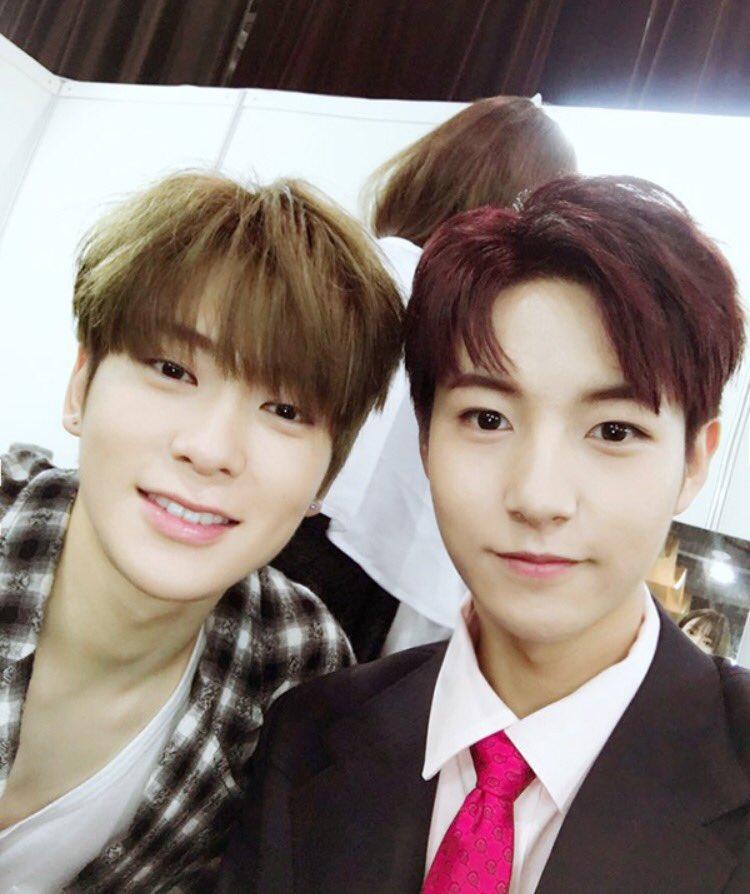 renjun in selfies with jaehyun (2016 - 2...