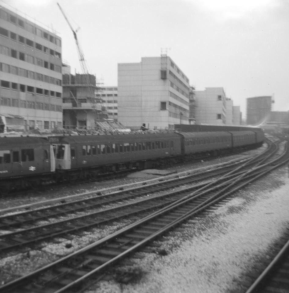 DV7 iMZXUAQQ1ny - Marylebone station's anniversary